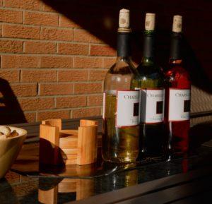3 multicolored Charles wine